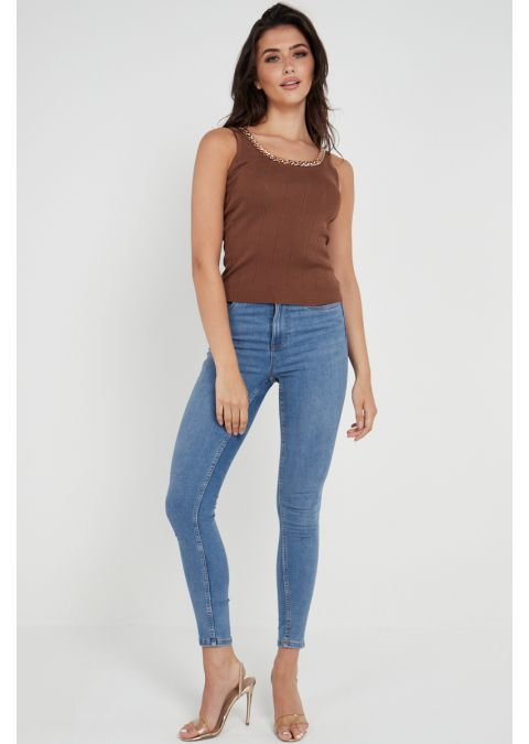 CHAIN DETAIL RIB-KNIT TOP IN BROWN